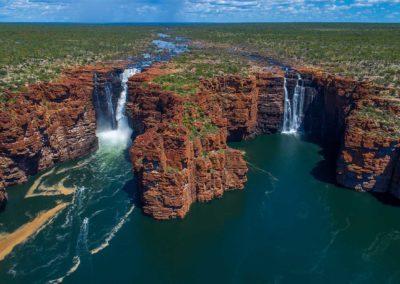 DiscoveryOne Chasing Waterfalls | AUSTRALIA